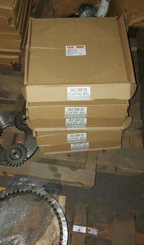 XKAH-01675 Доукон редуктора Hyundai R250LC-7 (XKAQ-01675 )